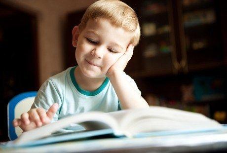 10 Tips Agar Anak Hobi Membaca
