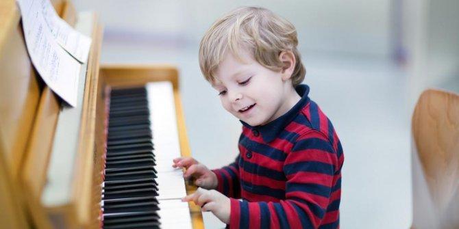Sumber : http://atjehtoday.com/content/read/1291/Belajar-main-piano-sejak-kecil-cerdaskan-otak-saat-dewasa