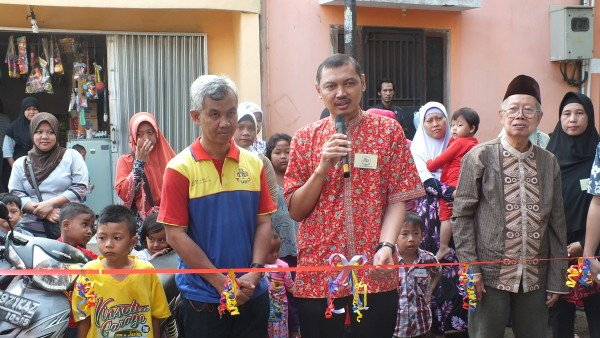 Pengguntingan Pita Tandai Launching biMBA Saun Pondok Rangon