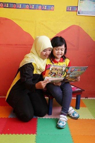 Manfaat Membaca Buku Bersama Anak