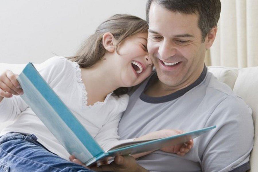 5 Manfaat Bacakan Dongeng untuk Anak