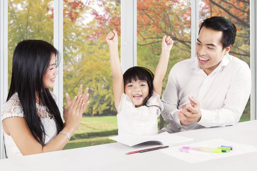 Keajaiban Pujian Bagi Minat Belajar Anak