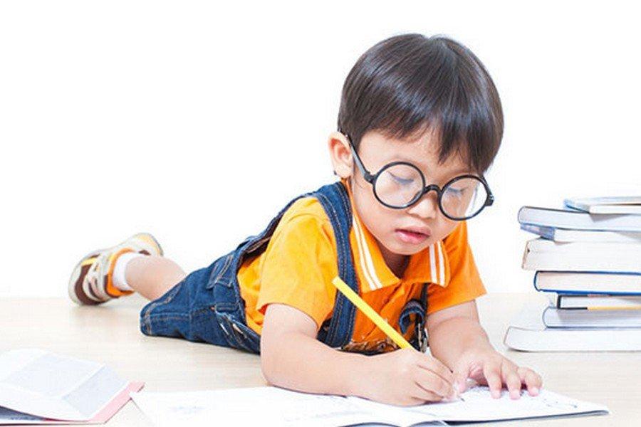 Bolehkah Anak Usia Dini Belajar Calistung?