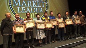 biMBA-AIUEO meraih Franchise Market Leader Award 2017