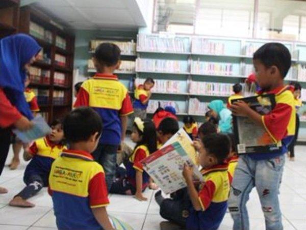 Kunjungan Murid biMBA Tlogosari ke Perpustakaan Daerah
