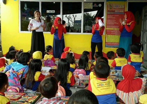 Antusiasme murid-murid biMBA Bale Endah menyambut kehadiran Miss Olha