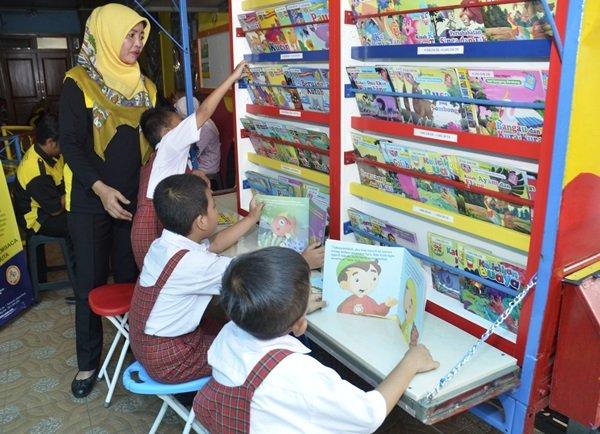 biMBA Luncurkan Perpustakaan Keliling untuk memasyarakatkan Minat Baca