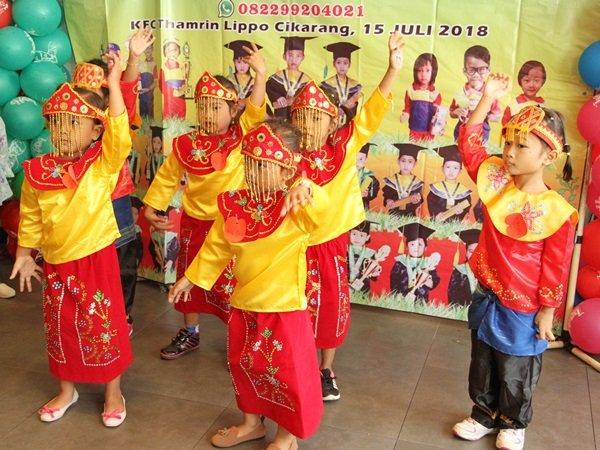 Menari tradisional