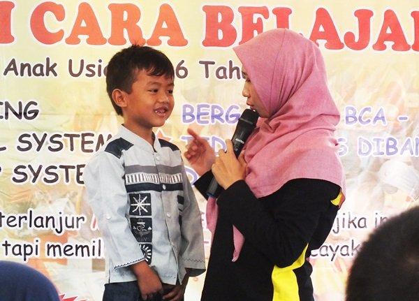 Berdialog dengan anak