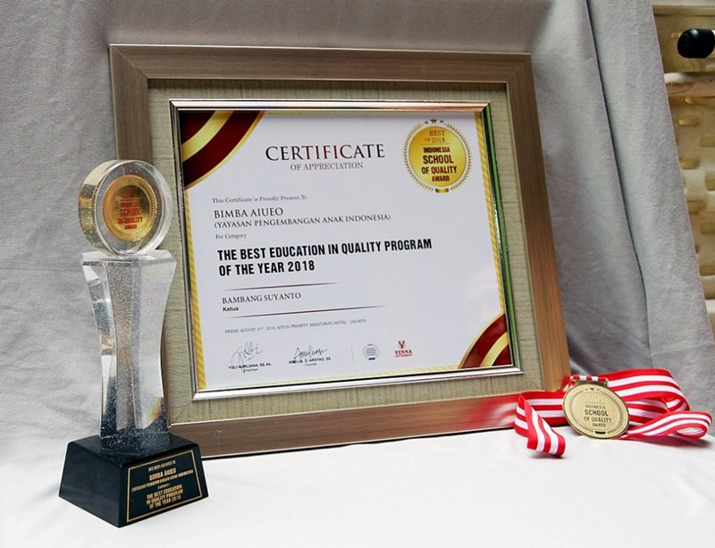 biMBA-AIUEO Raih Penghargaan Indonesia School Of Quality Award 2018