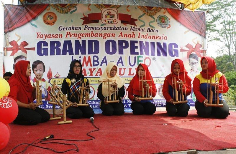 Permainan musik tradisional oleh Motivator biMBA
