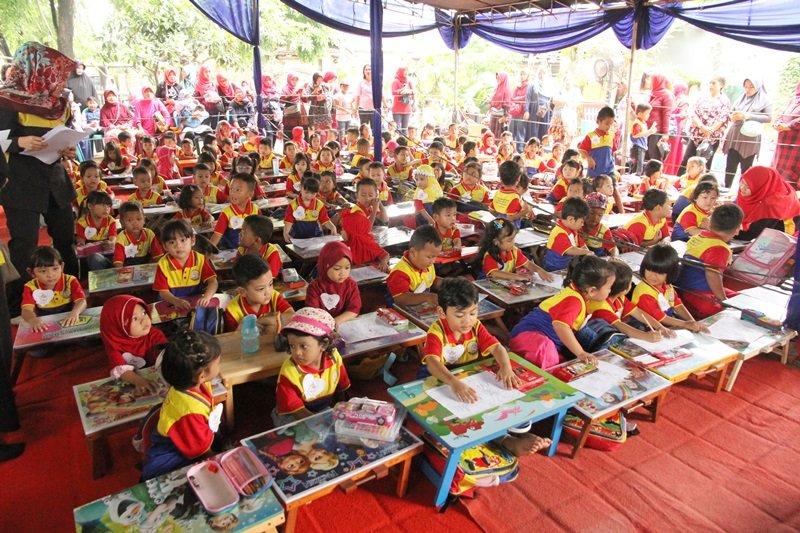 Antusiasme murid biMBA Poris Indah mengikuti kegiatan pentas baca