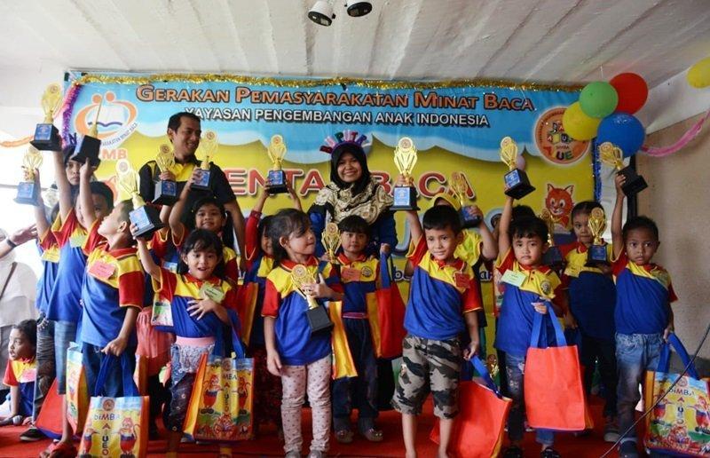 Foto bersama murid biMBA Sawangan Depok