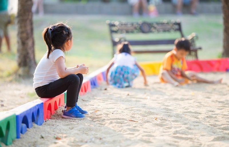 Bagaimana Melatih Anak agar Tidak Takut dengan Orang Baru