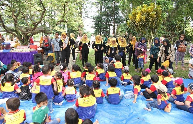 Keceriaan anak-anak biMBA Poris Indah dalam kegiatan outbound.