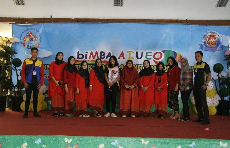 Foto bersama Kepala Unit, motivator dan staf pusat biMBA-AIUEO.