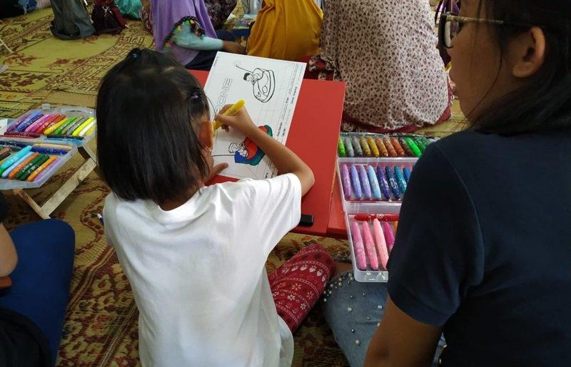 Selain murid biMBA, orang tua murid juga ikut antusias nih.