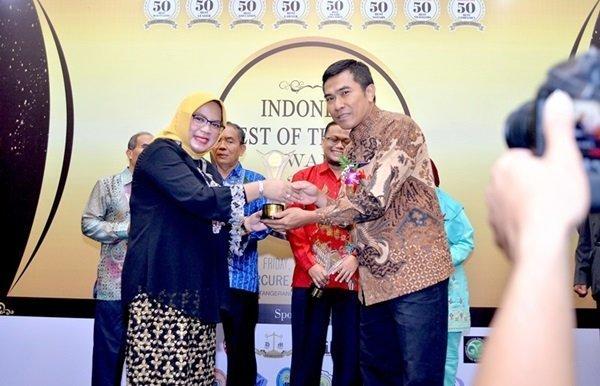biMBA-AIUEO Meraih Penghargaan dari Indonesia Achievement Center (IAC)