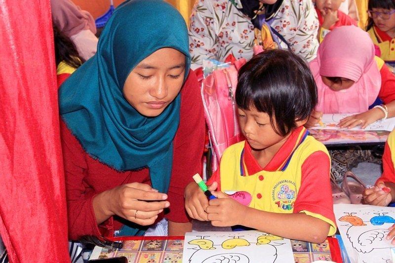 Menumbuhkan Minat Baca dan Minat Belajar Pada Anak Sedini Mungkin