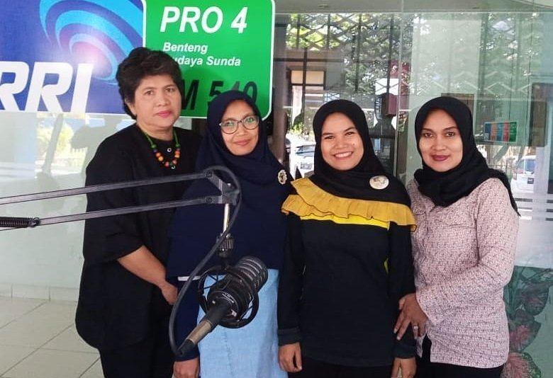 Foto bersama di RRI Bandung.
