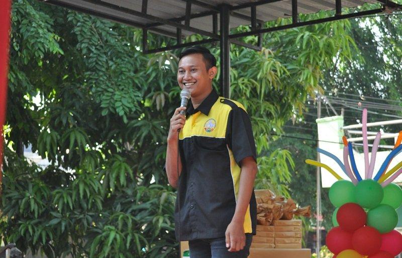Arif Junaidi mewakili biMBA Pusat untuk menyampaikan sambutan.