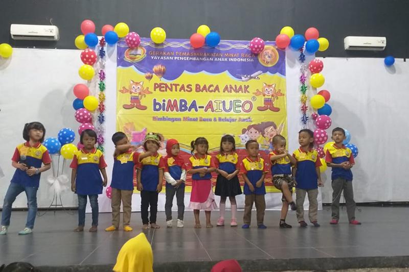 Semangat dan keceriaan anak-anak biMBA dalam pentas seni.