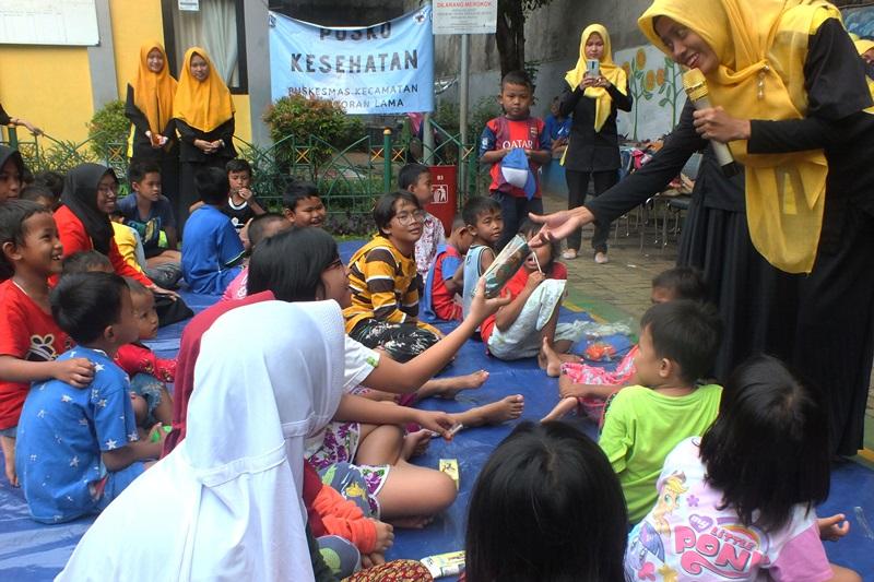 Aksi Sosial Komunitas biMBA Kepada Korban Kebakaran Kebayoran Lama