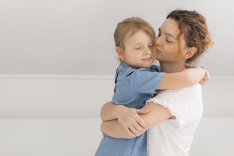 Cara Tepat Memberi Pujian Pada Anak