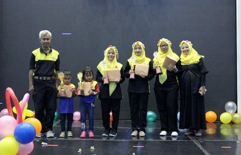 Foto bersama peserta terbaik lomba