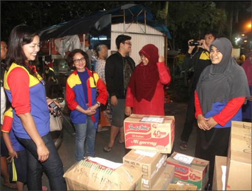 Blusukan KB/TK biMBA-AIUEO Unit Slipi ke Tiga Lokasi Banjir